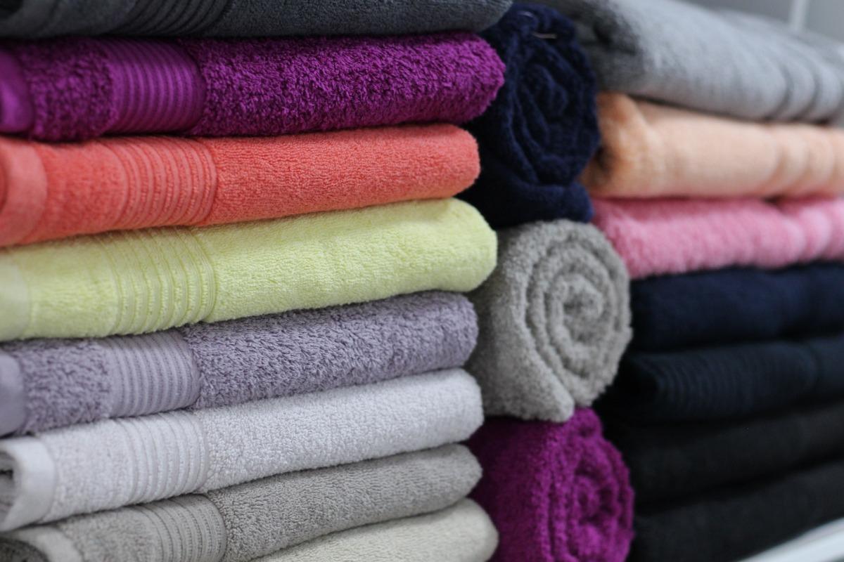 Organisation des serviettes et des parures delit