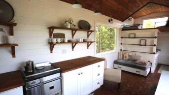 ana-white-quartz-tiny-house-10.jpg.650x0_q70_crop-smart.jpg